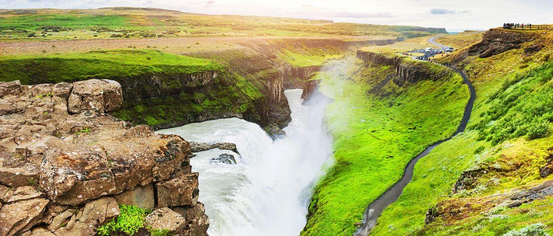 Gullfoss Wasserfall iStock637201230 web