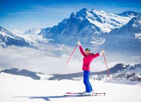 Ma dchen Skifahren iStock609059786 web
